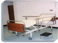 Cama hospitalaria manual de cuatro planos